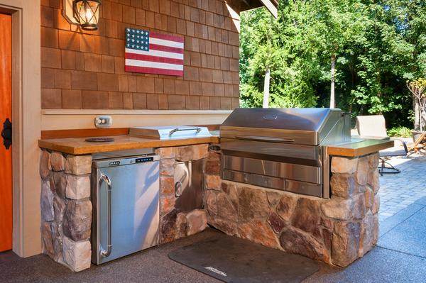 Custom Outdoor Kitchen For Everett Living Spaces